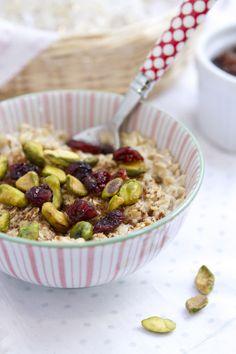 Essential Travel Oatmeal  – Gluten Free via FamilyFreshCooking.com ©Marla Meridith Photography #breakfast #brunch #snack