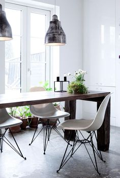 This is Very Pinteresting {Eames Shell Chair} | Apartment34 | Decor