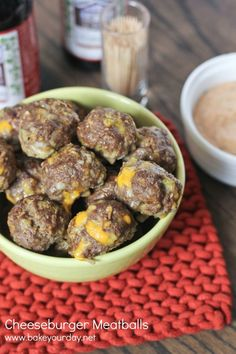 Cheeseburger Meatballs | www.bakeyourday.net