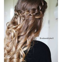 """""""4 strand pullback today with curls  ~~~~~~~~~~~~~~~~~~~~~~~~~~ #christmas #christmastime #festive #curlyhair #curls #hairstyles #hair #hair.feed #fashion #style #DIY  #frenchbraid #instalike #americanstyle #hudabeauty #tartecosmetics #voguethreads"""" Photo taken by @braidsandstyles12 on Instagram, pinned via the InstaPin iOS App! http://www.instapinapp.com (12/19/2015)"""