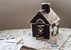 Huovasta tehty piparkakkutalo joulukalenterina #diy #joulukalenteri #piparkakkutalo #adventcalendar #christamas #virtasia http://virtasia.blogspot.fi/2015/11/piparkakkutalo-joulukalenterina.html