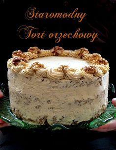Christmas is getting closer - an old-fashioned nut cake- Coraz bliżej święta- staromodny tort orzechowy five o & # clock: Christmas is getting closer – an old-fashioned nut cake - Lemon Cheesecake Recipes, Chocolate Cheesecake Recipes, Muffins Frosting, Healthy Cake, Polish Recipes, Baking Cupcakes, Pastry Cake, Drip Cakes, Fancy Cakes