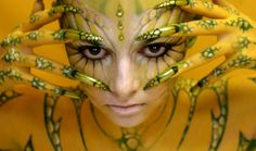 50 Mind-Blowing Body Painting Art works from World BodyPainting Festival – bodyart Performance Kunst, Aliens, Alien Cosplay, World Bodypainting Festival, Brust Tattoo, Piercings, Painting Gallery, Painting Art, Painting Pictures