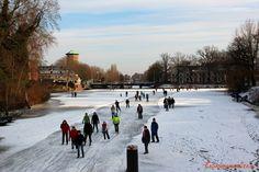 Schaatsen op de grachten in Zwolle (februari 2012)