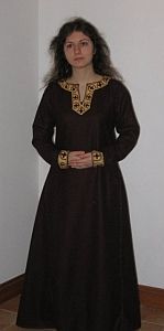 ARTICLE: Anglo-Saxon Clothing, including embroidery. History Unstitched. This is a good reproduction.