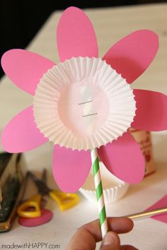 Picture Flower Kids Craft + Free Printable Flower - made with HAPPY