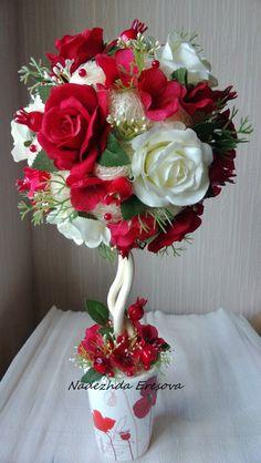 Topiara *  barevné růže z papíru.