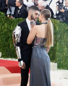 Hadid and Zayn Malik's Romance Is Almost Too Hot to Handle Gigi Hadid and Zayn Malik's hottest photos together.Gigi Hadid and Zayn Malik's hottest photos together. Cute Celebrity Couples, Cute Couples, Power Couples, Gigi Hadid And Zayn Malik, Unique Wedding Hairstyles, Famous Couples, Bridal Beauty, How To Look Better, Instagram