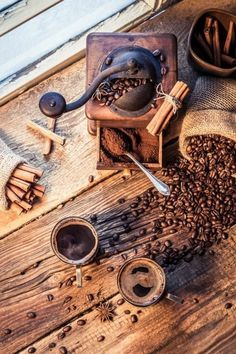 Wonderful Useful Ideas: Cold Brew Coffee Logo coffee painting mirror.But First Coffee Ideas coffee house theme. Coffee Is Life, I Love Coffee, Coffee Art, Coffee Break, Best Coffee, My Coffee, Coffee Drinks, Coffee Shop, Coffee Cups