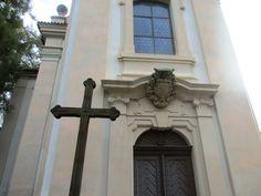 Kříž u kostela Nanebevzetí Panny Marie - Loučeň