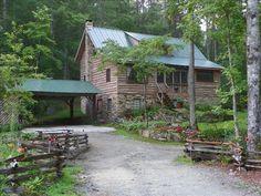 Cabin vacation rental in Brevard, NC  Listing # 172276