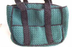 Ravelry: Eight-Pocket Two-Tone Carryall Tote pattern by Margaret Hubert Crochet Hat For Women, Crochet Bebe, Crochet Cross, Crochet For Kids, Double Crochet, Easy Crochet, Free Crochet, Crochet Handbags, Crochet Purses