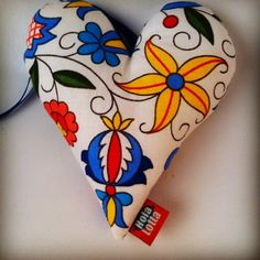 The heart story continue, this time based on the folk theme fabric 😄 #gift…
