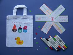 Kresba na textil by Lady Lu * Reusable Tote Bags, Textiles, Drawings, Lady, Sweet, Handmade, Sketches, Hand Made, Draw