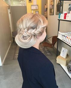 Made a few wedding updos today  #bridalhair #updo #hairdo #wedding #bridesmaidshair #maidofhonorhair #maidofhonor #bride #turku #elyciaturku #hairbyelisa #hairoftheday #hairofinstagram #hairdesignfactory