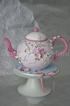 Tea pot cake - For all your cake decorating supplies, please visit craftcompany.co.uk