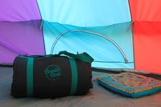 When we first heard about Bundle Beds and their Kickstarter campaign we loved the look of it and were keen to spread the word. The campaign was a roaring success and once launched they were kind enough to send us one over.  Now reviewing the Bundle Bed as a standalone camp bed is something that because of my back injury I cant honestly do. Instead what Ive decided to do is show you how I use mine.  What is it?  Each bundle includes a self inflating mattress which forms the base of the bed…