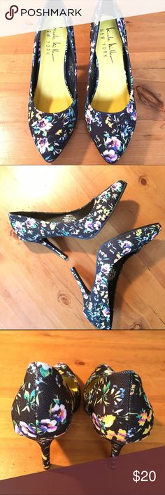 Nicole Miller Floral Heels Called Tropical excellent condition size 61/2 4in heel fun and wonderful  Nicole Miller Shoes Heels