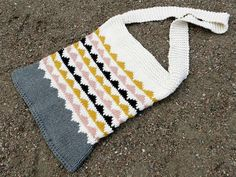 Knitted beachbag