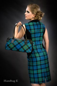 Click on the photo to go to our online shop.    Tartan Handbag, Choice of Tartan    Product ID: 9070