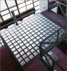 sol briques de verre - pour terrasse au dessus escalier descente loft duplex