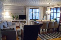Hyvin vaatimaton ja ihan pikkuruinen, mutta silti meidän rakkain paikka. Sekä kesällä että talvella. Cubby Houses, Log Homes, White Wood, Great Rooms, Tiny House, Cottage, House Design, Lounge, Living Room