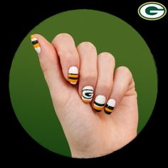 Green Bay Packers manicure!  Awesome!