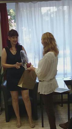 A könyvborító festőnőjével..Vajda Katalinnal