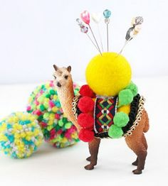 Animal Pin Cushion. This cute homemade pin cushion is a wonderful present for moms. It is both practical and decorative. http://hative.com/creative-diy-gifts-for-mom/