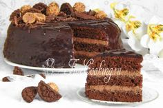 Шаг 44. Вкуснее всего торт Прага будет спустя несколько часов после приготовления, но можно разрезать его и сразу, если не терпится