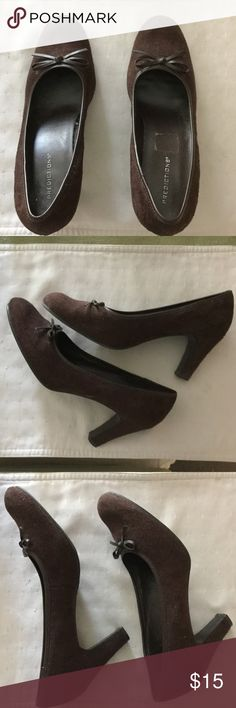 """Suede Heels, Brown, SZ 8 Suede pumps are in excellent used condition. Worn only a few times. 3"""" heel is suede covered. Predictions Shoes Heels"""