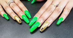 Neon Green Nails, Neon Nail Art, Rose Nail Art, Flower Nail Art, School Nail Art, Harry Potter Nail Art, Wave Nails, Feather Nail Art, Glow Nails