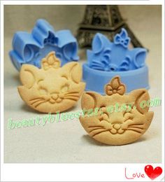 kitty cat Cookie Cutter,Biscuit Cake mold bakery DIY mould,cookie tools 2pcs/set. , via Etsy.