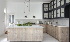 This week we fell in love with this gorgeous, South East London, kitchen design, created by Jamie Blake of Blakes London, an Interior Design and bespoke. Kitchen Tops, New Kitchen, Kitchen Interior, Summer Kitchen, Rustic Kitchen, Awesome Kitchen, Kitchen Ideas, Design Kitchen, Hickory Kitchen