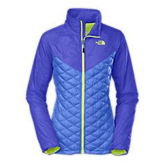 Remixed for 2014 to deliver dialed warmth to your core during active endeavors, our lightweight ThermoBall™, powered by PrimaLoft™ jacket places synthetic clusters at the torso and back to protect your core in wet, cold environments. The lightly insulated (60 g) sleeves and shoulders provide a sleek buffer against cool conditions without restricting arm turnover.