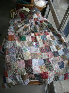 リバティプリントのパッチワーク - こてまりのさんぽみちⅡ Liberty Quilt, Patchwork Patterns, Needlework, Quilts, Blanket, Sewing, Fabric, Embroidery, Tejido