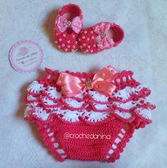 Crochet Girls, Newborn Crochet, Crochet For Kids, Crochet Baby Sweaters, Baby Knitting, Baby Patterns, Crochet Patterns, Baby Tumblr, Romper Pattern