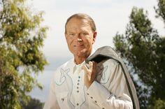 Glen Campbell Laid to Rest in Arkansas Hometown | Billboard
