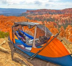 Would you like to go camping? If you would, you may be interested in turning your next camping adventure into a camping vacation. Camping vacations are fun Bushcraft Camping, Diy Camping, Camping Glamping, Camping Survival, Camping And Hiking, Camping Hacks, Outdoor Camping, Outdoor Gear, Survival Prepping