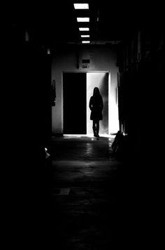 Direção: Carla Cardoso Modelo: Núbia Soares Fotógrafo: Carla Cardoso Edição de imagem: Alexandre Peralta 6° sem. Gestão - Manhã