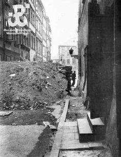 Image from photo library of Warsaw Uprising Museum