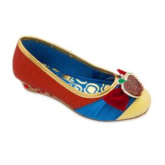Disney Character Costume Snow White Costume Shoes for Kids - Your little princess will be the fairest of them all in these shimmering Snow White slip-on shoes with velvet ribbon and tempting apple brooch. Snow White Shoes, White Slip On Shoes, Cheap Kids Clothes Online, Kids Clothes Sale, Snow White Costume, White Costumes, Disney Fancy Dress, Mickey Mouse Shoes, Disney Characters Costumes