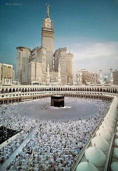 Mekka during the Hajj Mecca Masjid, Masjid Al Haram, Mecca Wallpaper, Islamic Wallpaper, Islamic Images, Islamic Pictures, Islamic Quotes, Beautiful Mosques, Beautiful Places