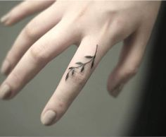 finger mini tattoo vine