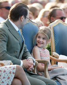 Sweden's Prince Daniel and daughter Princess Estelle during his wife Crown Princess Victoria's birthday celebrations 2018 at Borgholm Sports Arena in Oland, Sweden. Victoria Prince, Princess Victoria Of Sweden, Crown Princess Victoria, Princesa Estelle, Princesa Diana, 41st Birthday, Swedish Royalty, Prince Daniel, Casa Real