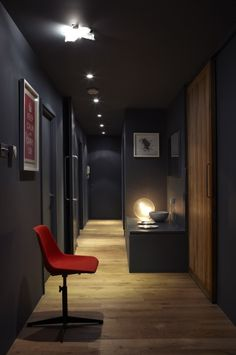 Farrow & Ball just released nine new paint colors in a stunning new editorial Hallway Colour Schemes, Hallway Colours, Paint Colors For Home, House Colors, Paint Colours, Banks House, Cosy Kitchen, Bedroom Corner, Living Comedor