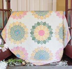It's love at first sight with this Dresden delight! Featuring a downloadable pattern and all the vibrant vintage flair of Boundless' 1930's Delights Fabric, the Craftsy-exclusive Blooming Dresden Quilt Kit has everything you need for a top with the charms of yesteryear.