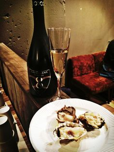 Champagne Infinite Eight & Oyster