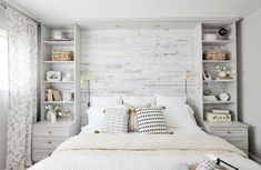 Rustic master bedroom farmhouse style remodel ideas (30)