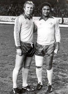 Bobby Moore e Eusébio